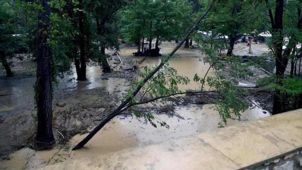 France floods: 1,600 evacuated, German missing at campsite