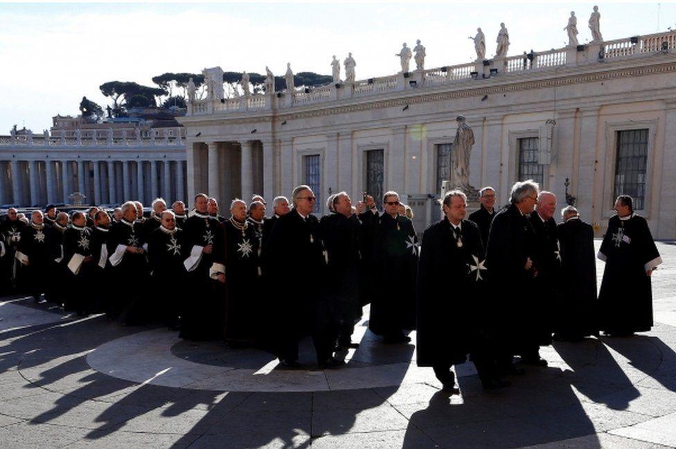 أعضاء في منظمة فرسان القديس يوحنا