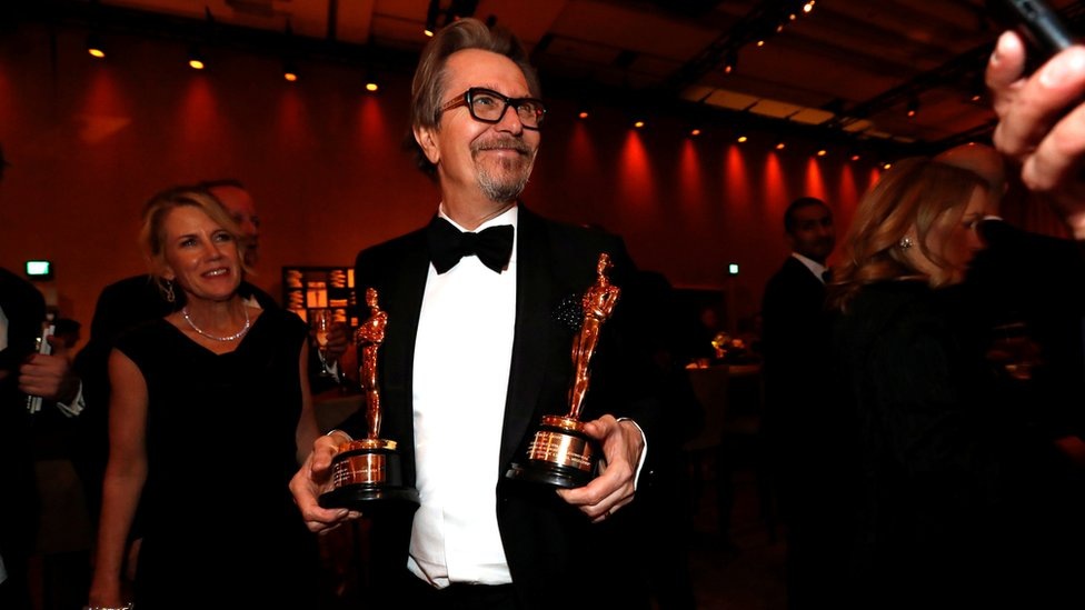 غاري اولدمان الذي فاز بجائزة أفضل ممثل