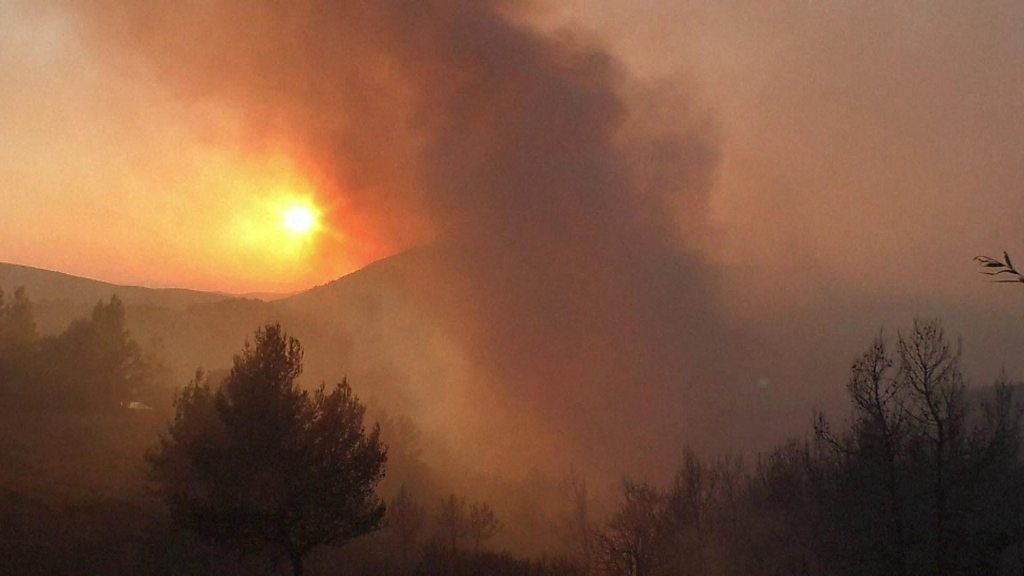 Greece wildfires made worse by high winds