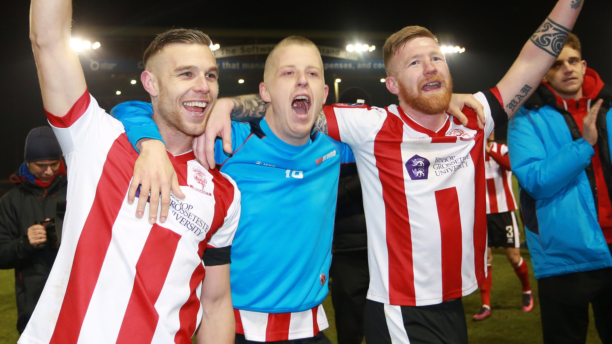 Lincoln hit late winner to knock out Ipswich in FA Cup