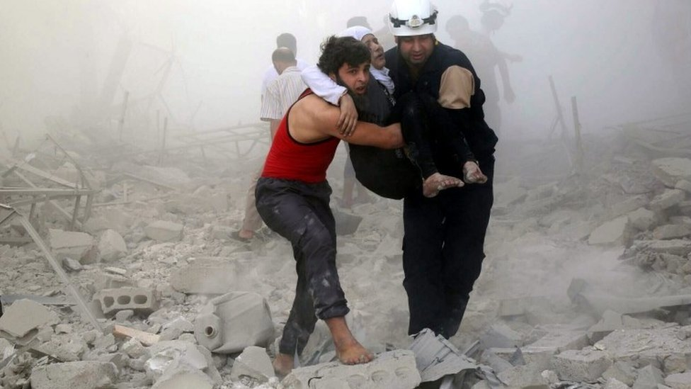 Syria conflict: White Helmets evacuated by Israel