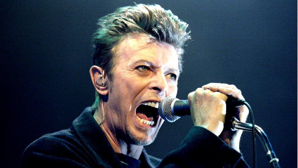 David Bowie dominates Brit Awards