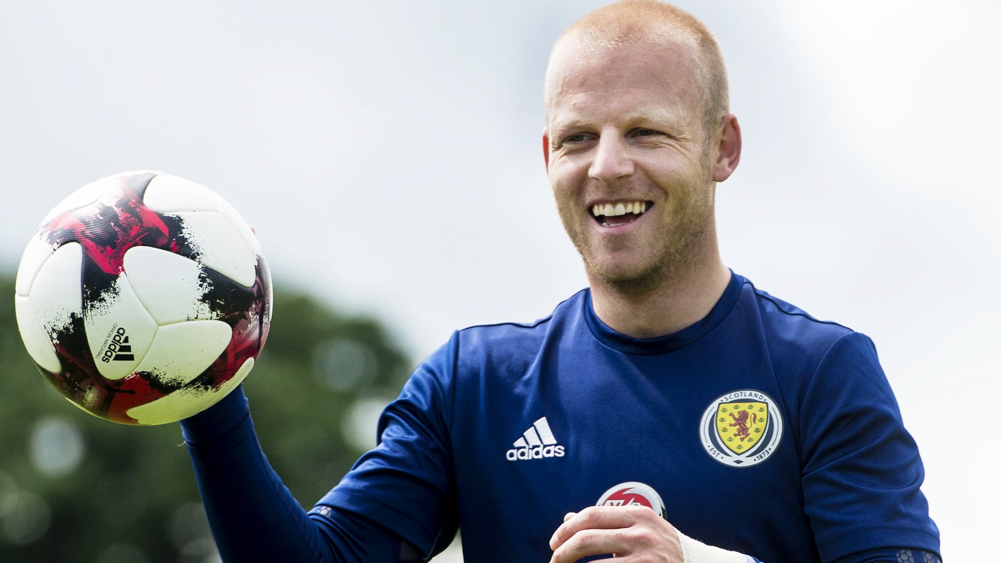 Scotland: Walter Smith 'safest bet' for manager's job - Steven Naismith