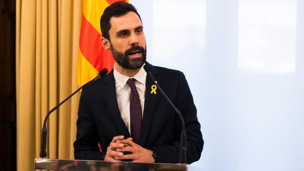 El presidente del Parlamento catalán, Roger Torrent, aplazó este martes el pleno sobre el debate de investidura que debía votar al nuevo presidente de Cataluña.