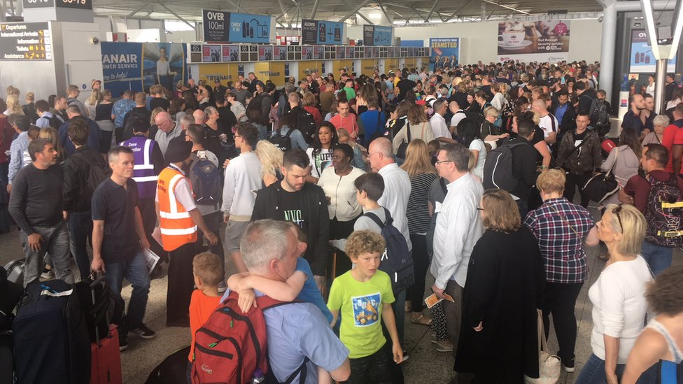 Lightning strike causes Stansted Airport disruption