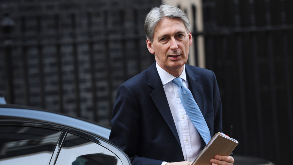 Budget worth an additional £320m for NI, says chancellor