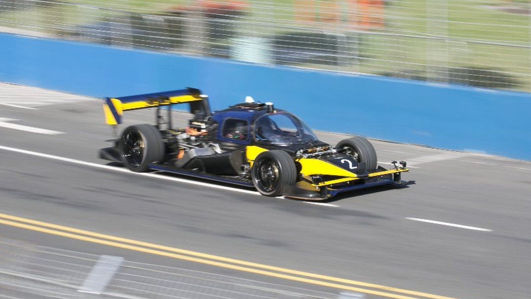 Driverless Roborace car crashes at speed in Buenos Aires