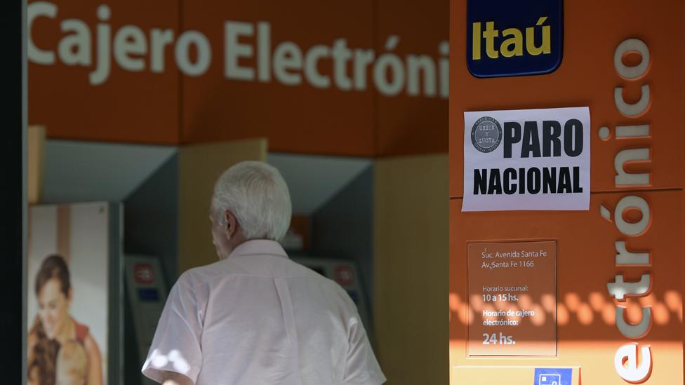 Macri, que promueve un ajuste que afecta a los sindicatos, duró más de un año sin sufrir paros, pero desde que ha insistido en las reformas las protestas han aumentado.