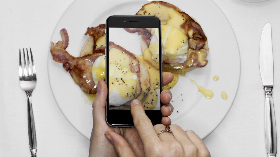¿En qué momento tomar una foto antes de comer se convirtió en un ritual habitual?