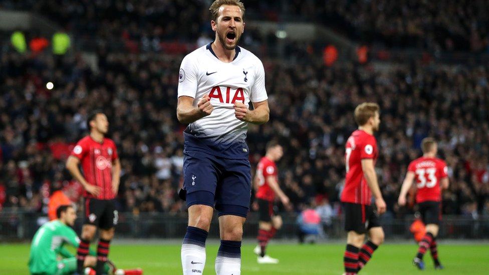 Tetesi za Soka Ulaya Jumapili 09.12.2018: Kane, Hazard, Suarez, Fabregas, Welbeck, Carroll