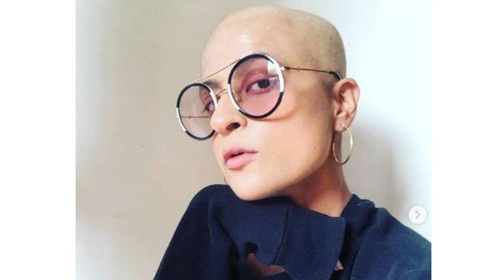 ताहिरा कश्यपः पत्नी की कैंसर से लड़ती तस्वीर देख आयुष्मान खुराना ने ये कहा