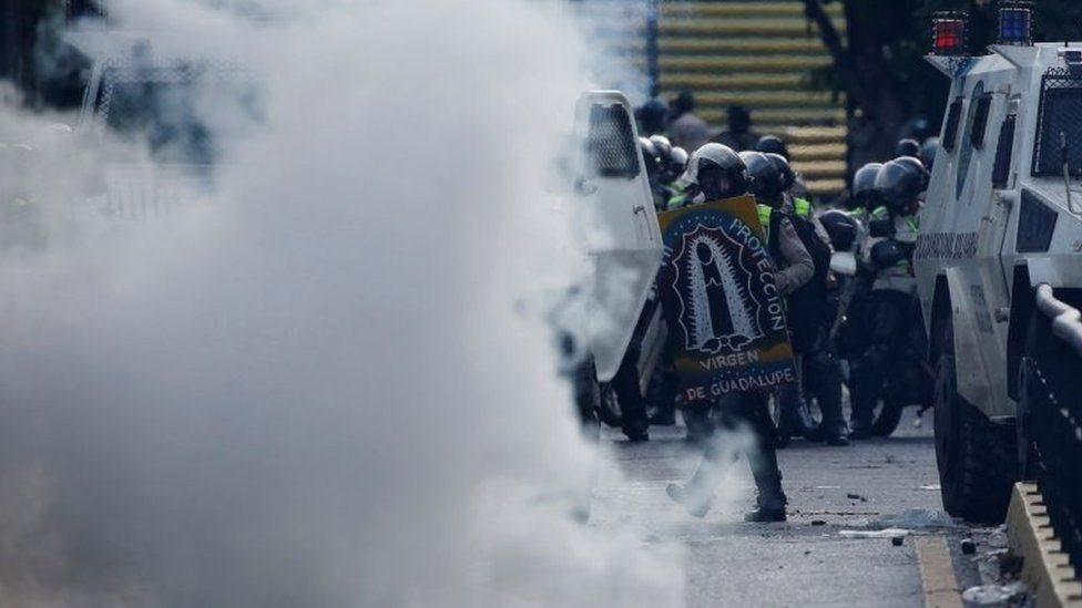 Biểu tình Venezuela ngày thứ 50: một người bị thiêu
