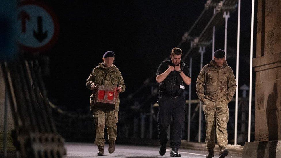 Marlow Bridge closed as magnet fisherman finds grenade