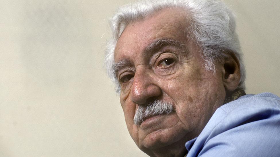 """""""Si Jorge Amado volviera a Salvador hoy en día, una vez más sentiría la necesidad de despertar la vergüenza del gobierno brasileño para obligarlo a actuar."""""""
