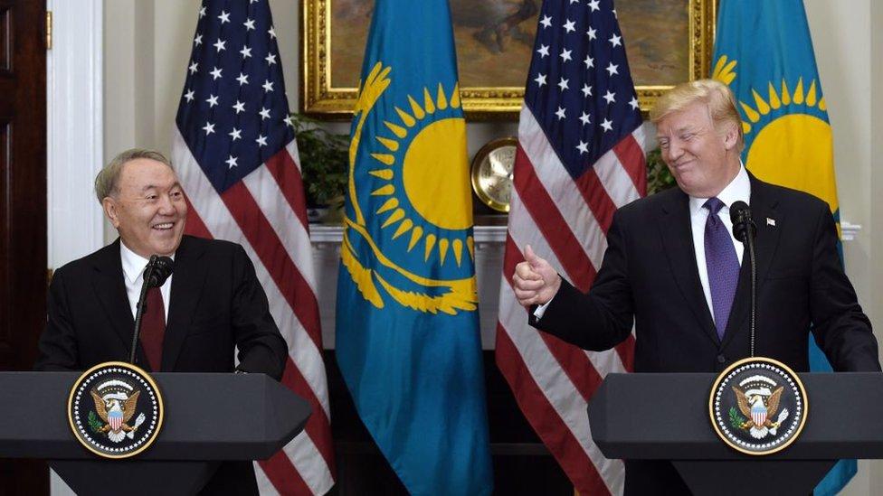 Nursultán Nazarbáyev y Donald Trump en la Casa Blanca
