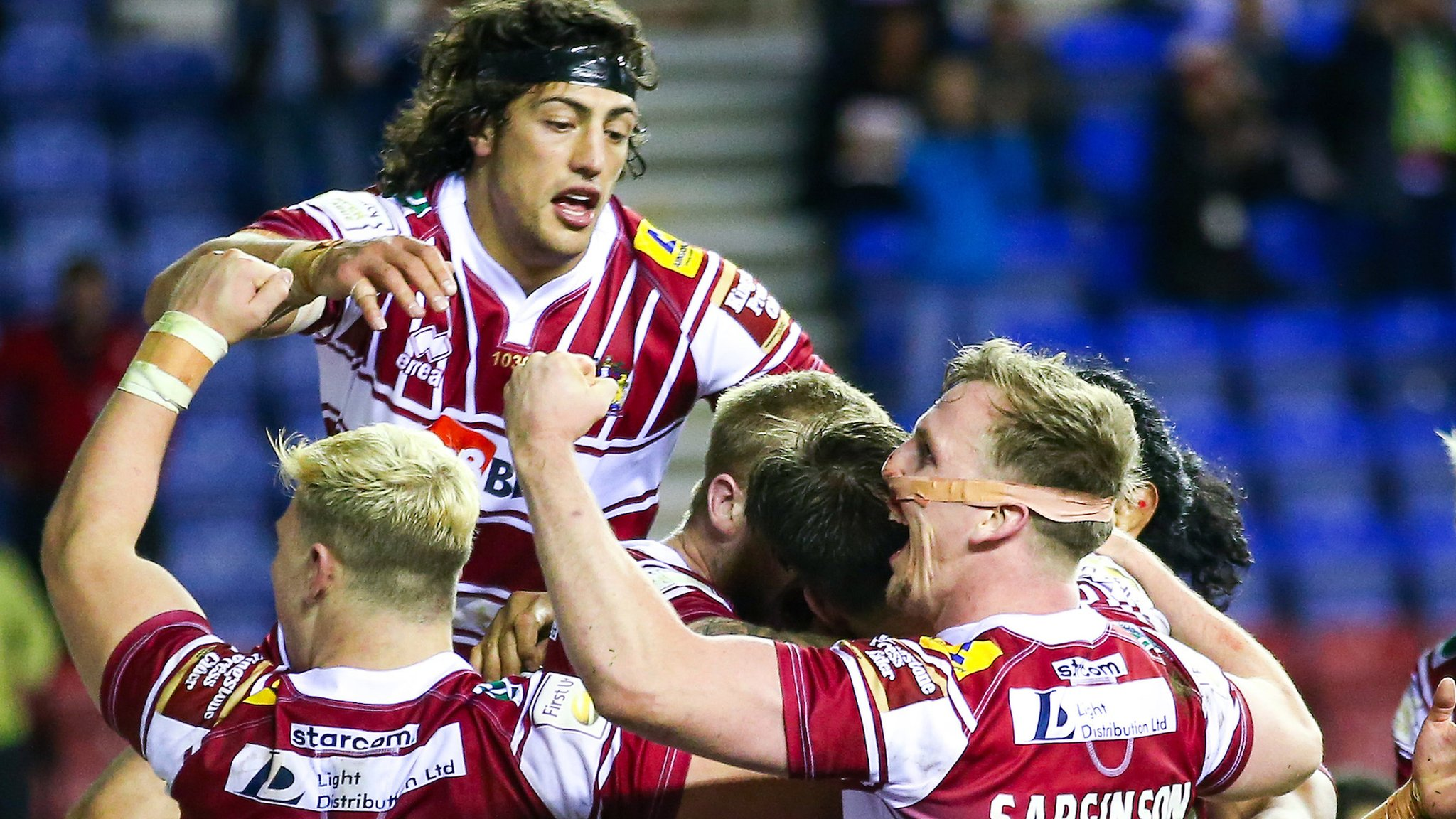 Wigan beat Hull to book Grand Final place
