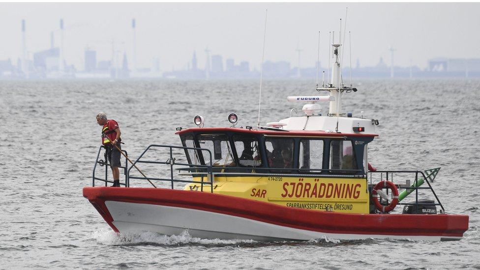 Barco en busca del cuerpo de Kim Wall.
