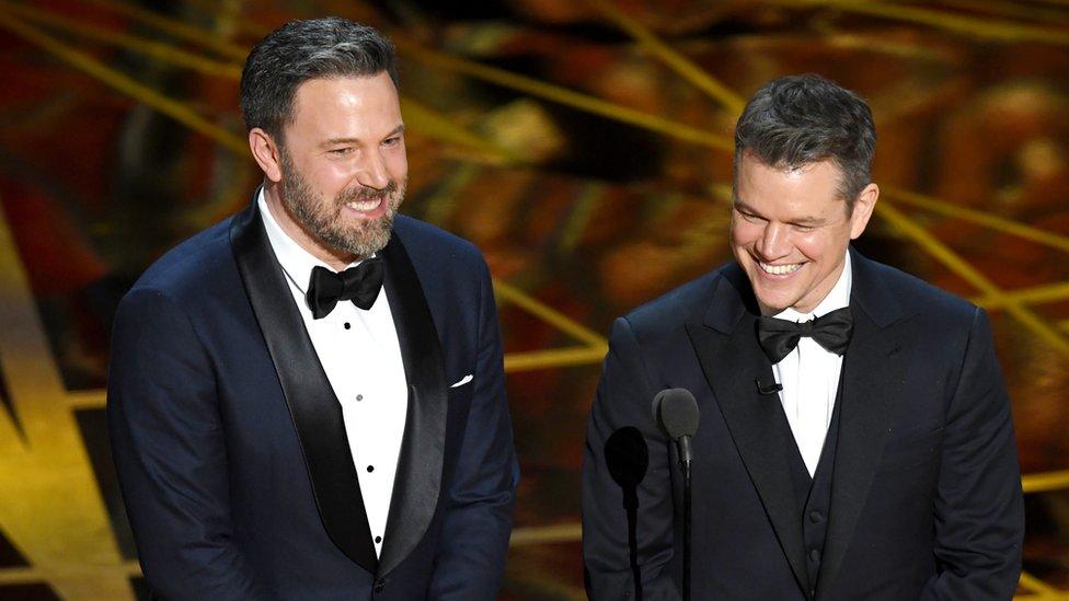 Ben Affleck y Matt Damon en la gala de los Oscar 2017