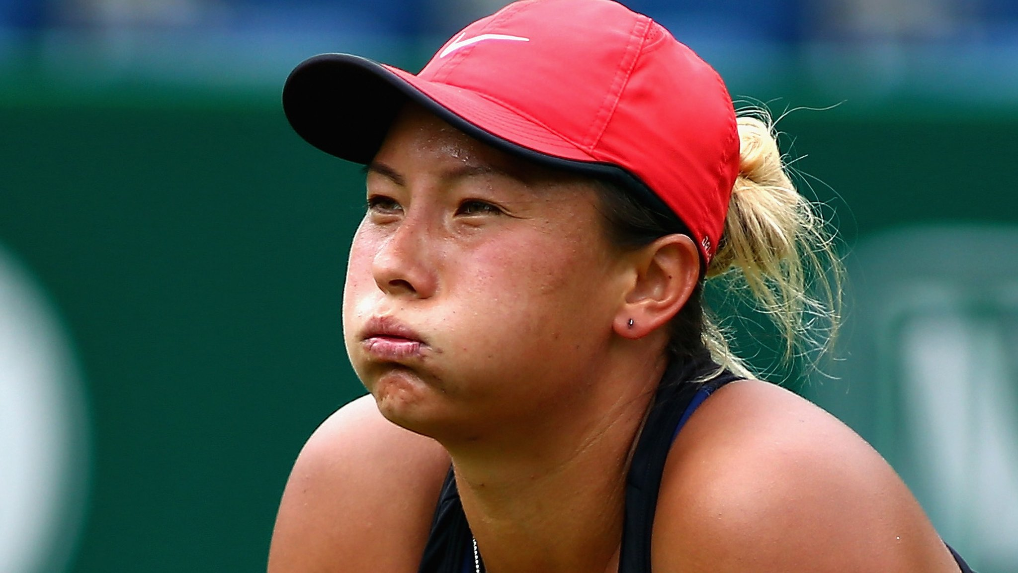 'Never in doubt' - Match point down at 0-6 0-5, Moore comes back to win