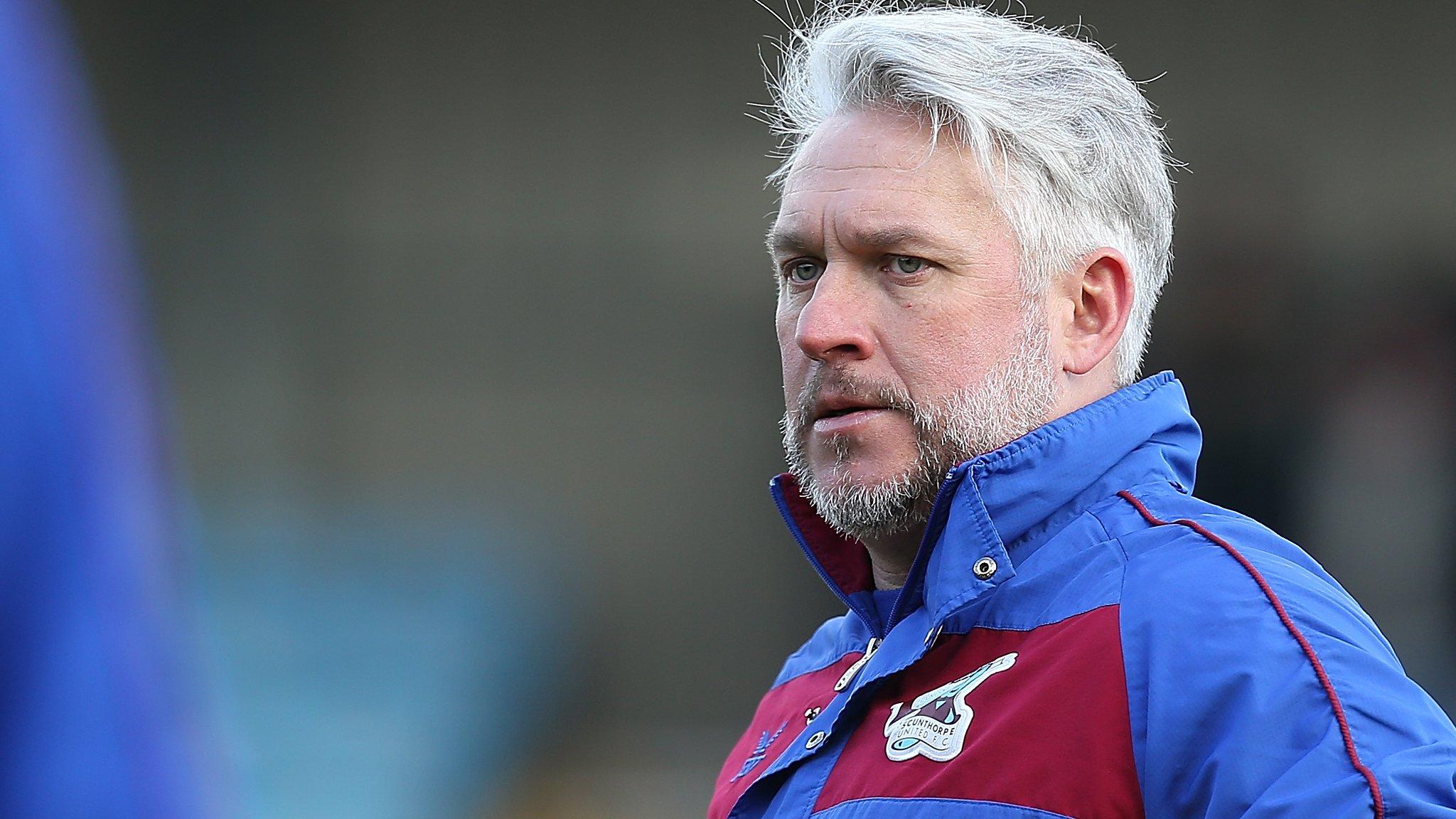 Scunthorpe sack manager Daws four games into season