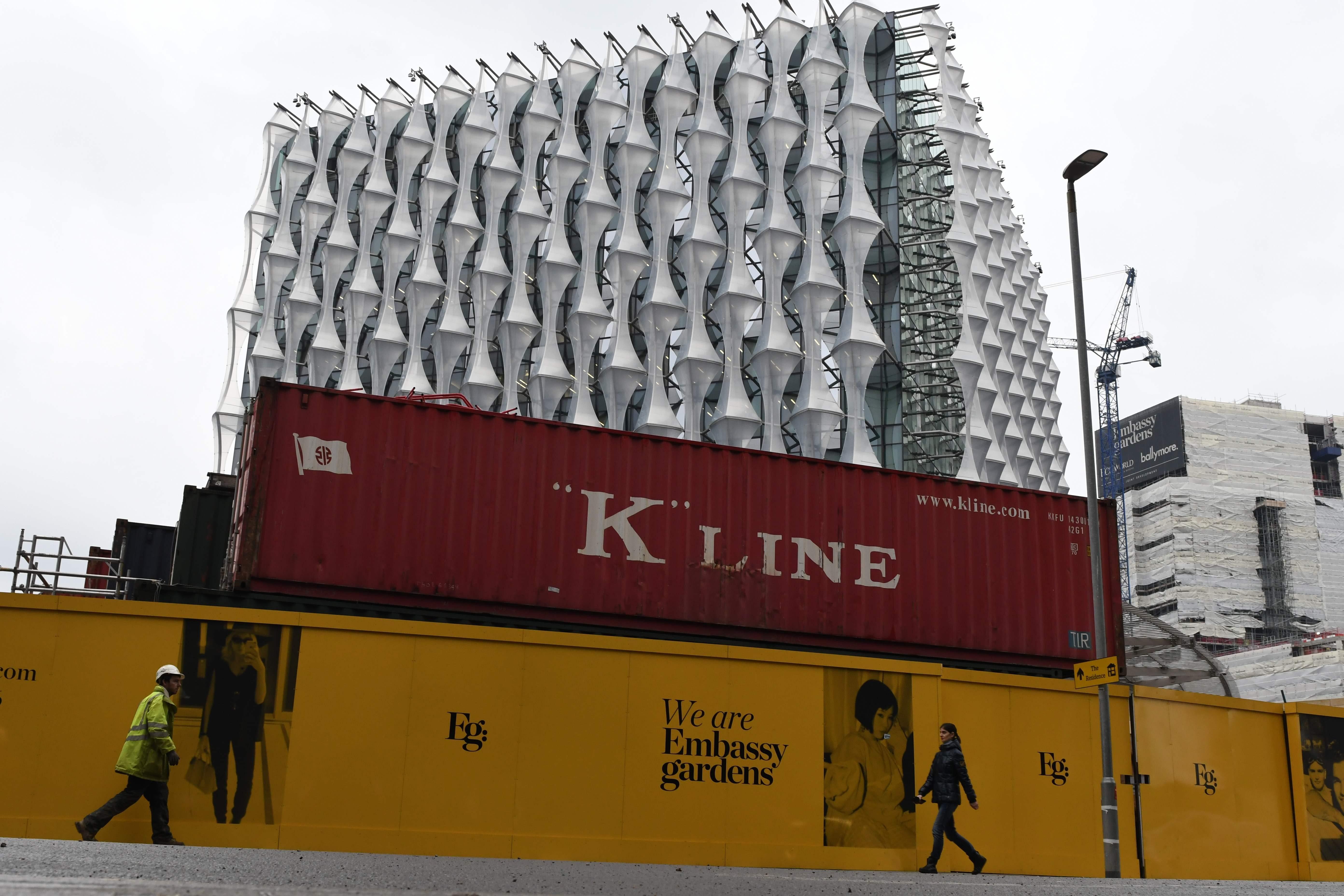 La obra en forma de cubo fue diseñada por el arquitecto estadounidense Kieran Timberlake.