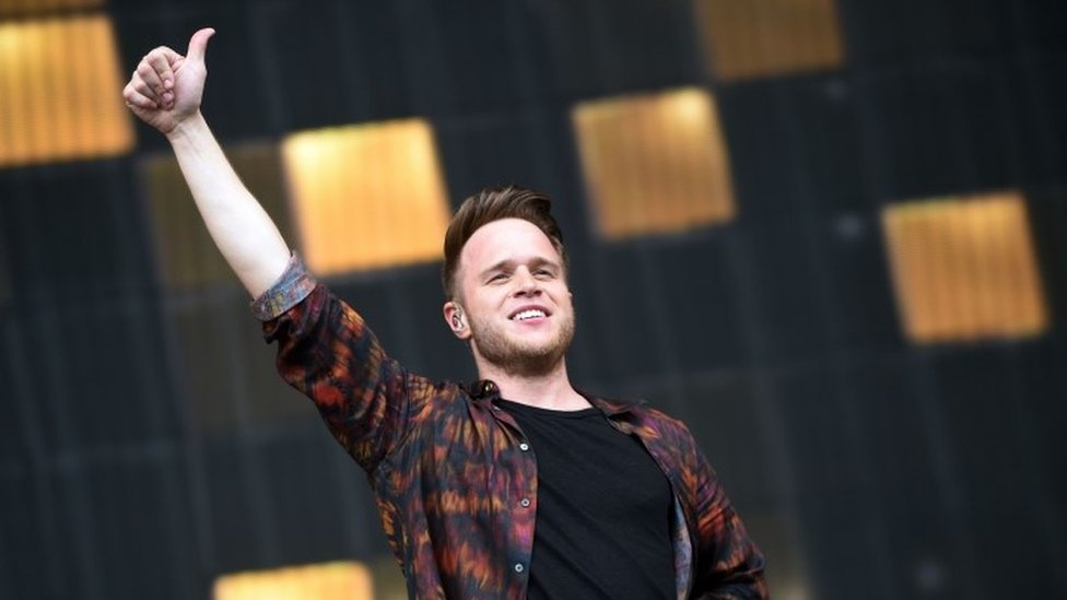Olly Murs: Singer offers to swap tickets for axed shows