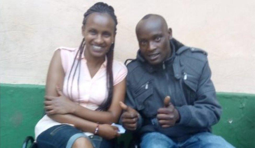 Wanja e Hinga en el centro de rehabilitación
