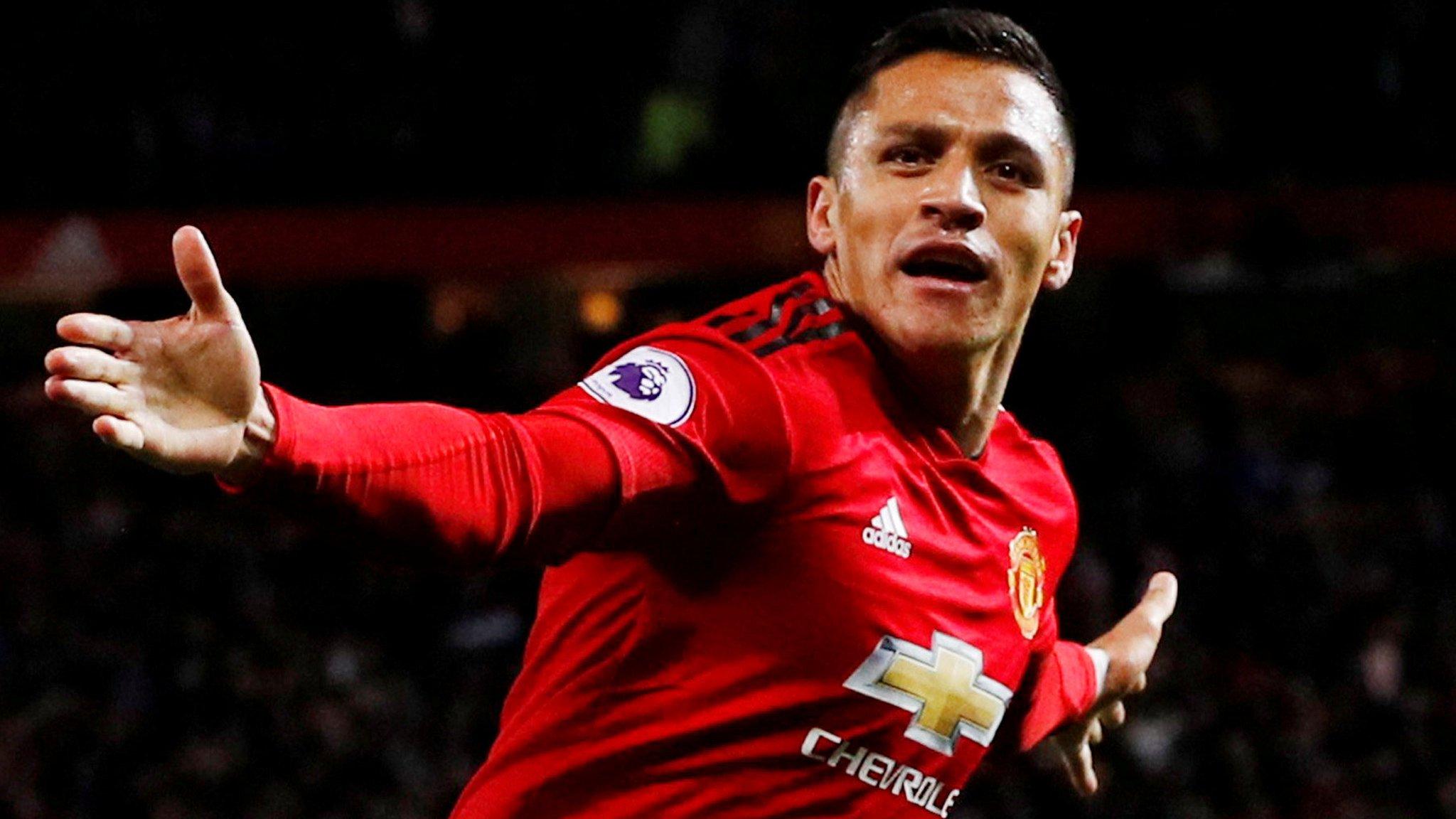 Sanchez out, Ronaldo back for United's Juventus clash