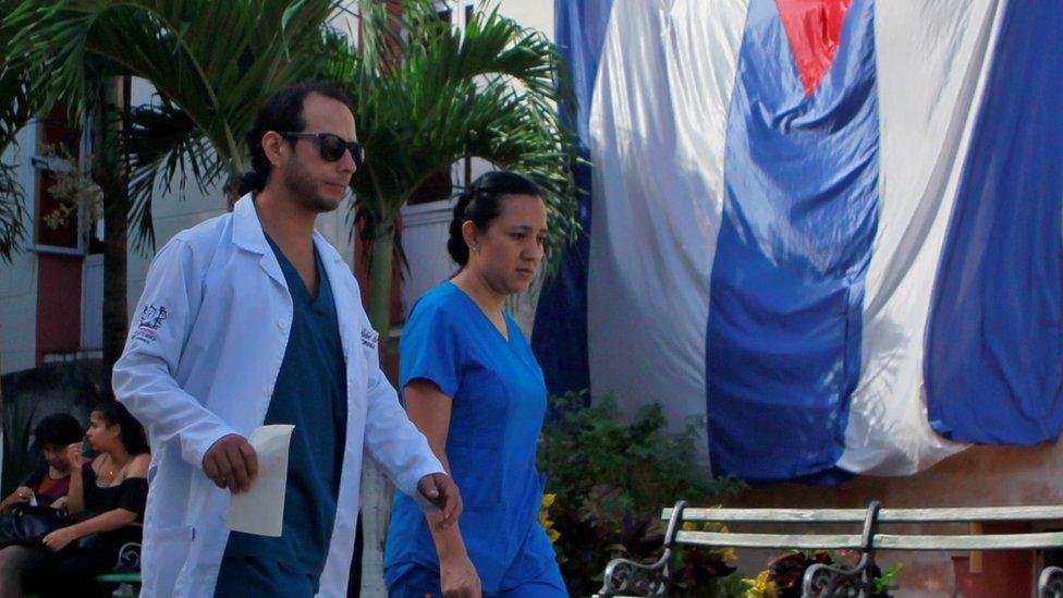 """Bolsonaro: Cuba se retira del programa """"Más Médicos"""" en Brasil por las ..."""