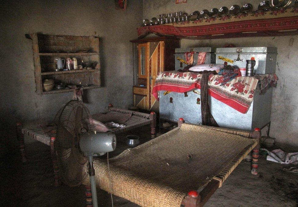Habitación en Muzaffarabad donde se dijo que una adolescente fue violada