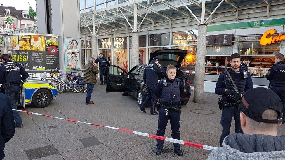 Німеччина: у Гейдельберзі автомобіль врізався у натовп, є поранені