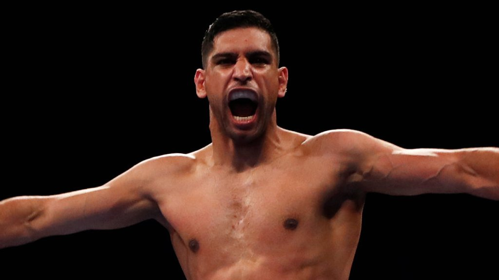 Amir Khan knocks out Phil lo Greco in 40 seconds