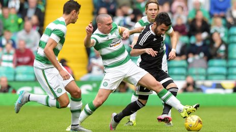 Celtic lead 1-0 from the first leg of their Champions League qualifier