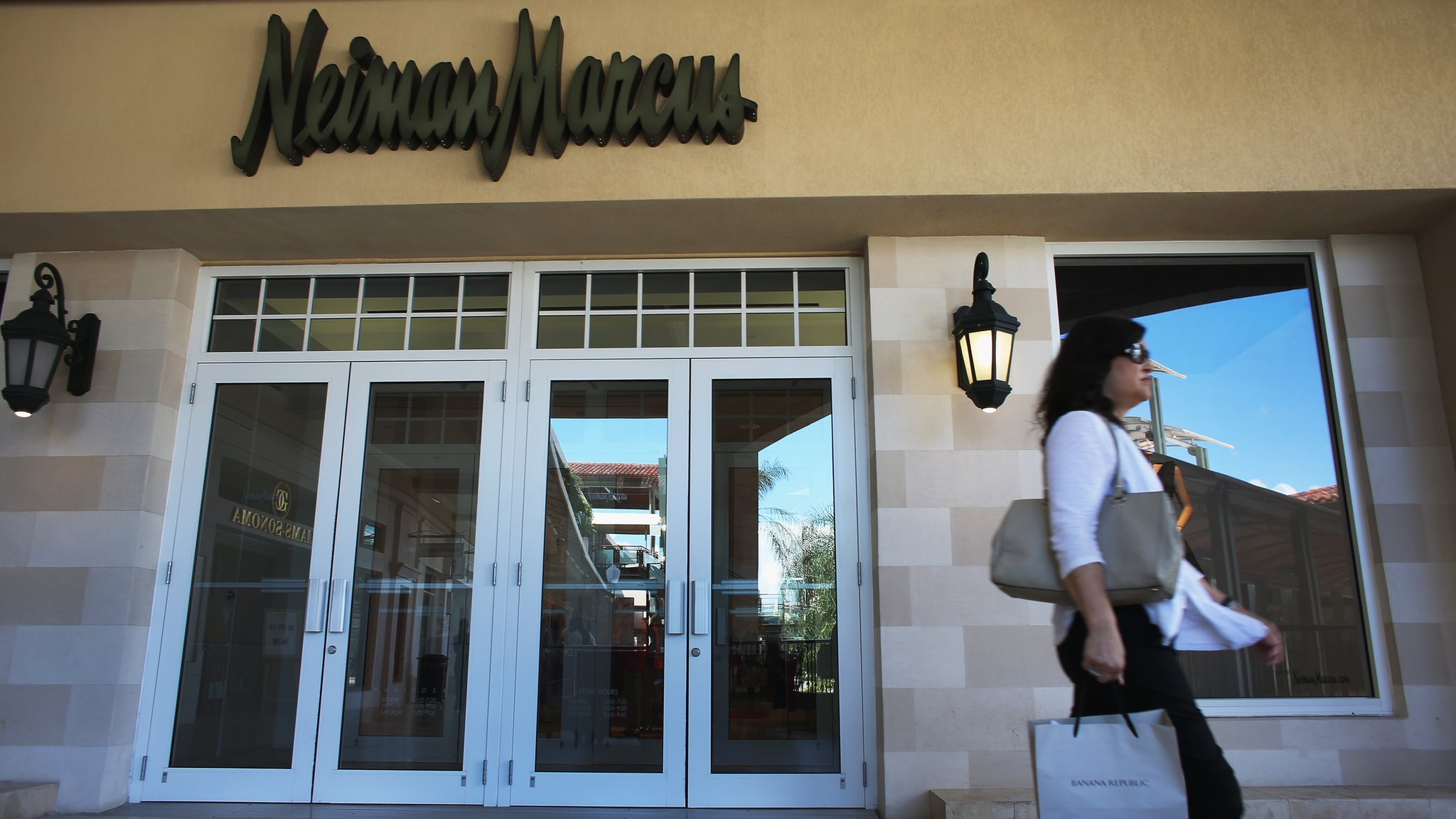 US luxury retailer Neiman Marcus has announced plans to float in New York after being bought in 2013 ahead of an IPO.