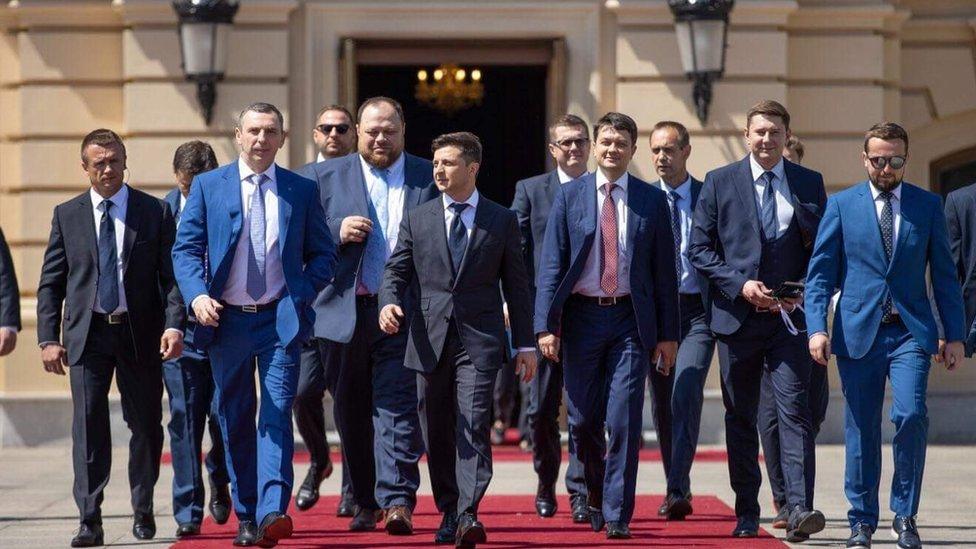 Зеленский провел первые назначения. Кто все эти люди?