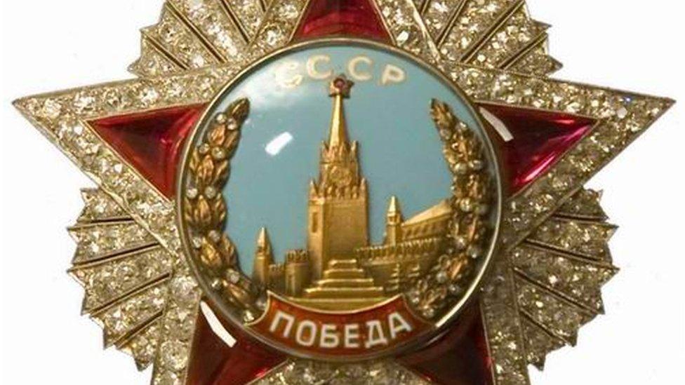 Орден для генсека: как Брежнева наградили за победу, которой не было