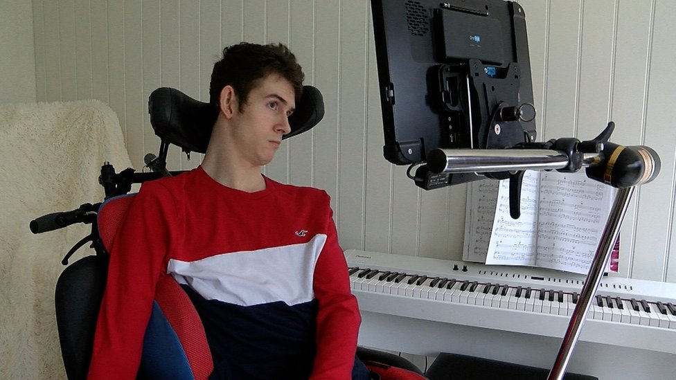 Musician with cerebral palsy creates single with his eyes