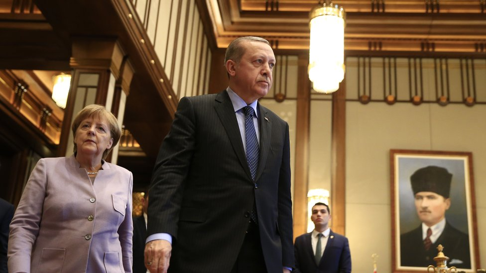 يقول مسؤولون أوربيون إن فرص تركيا تتضاءل في دخول الاتحاد الأوروبي