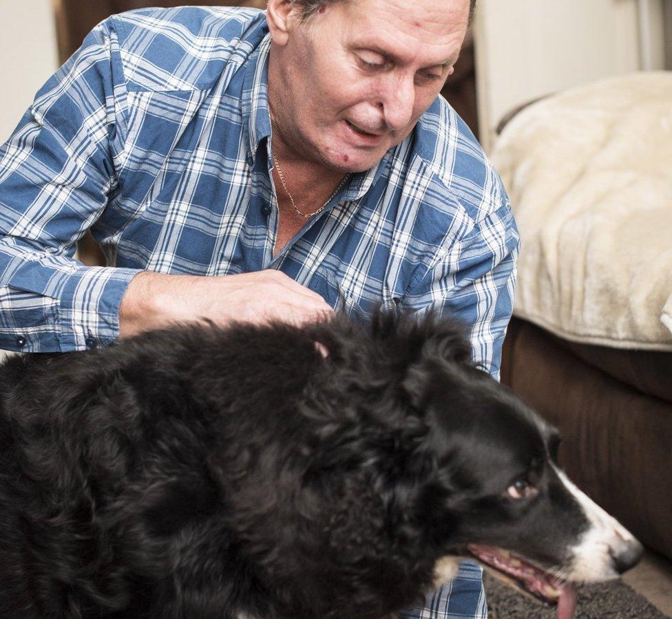 Gary Burns y su perro Bramble