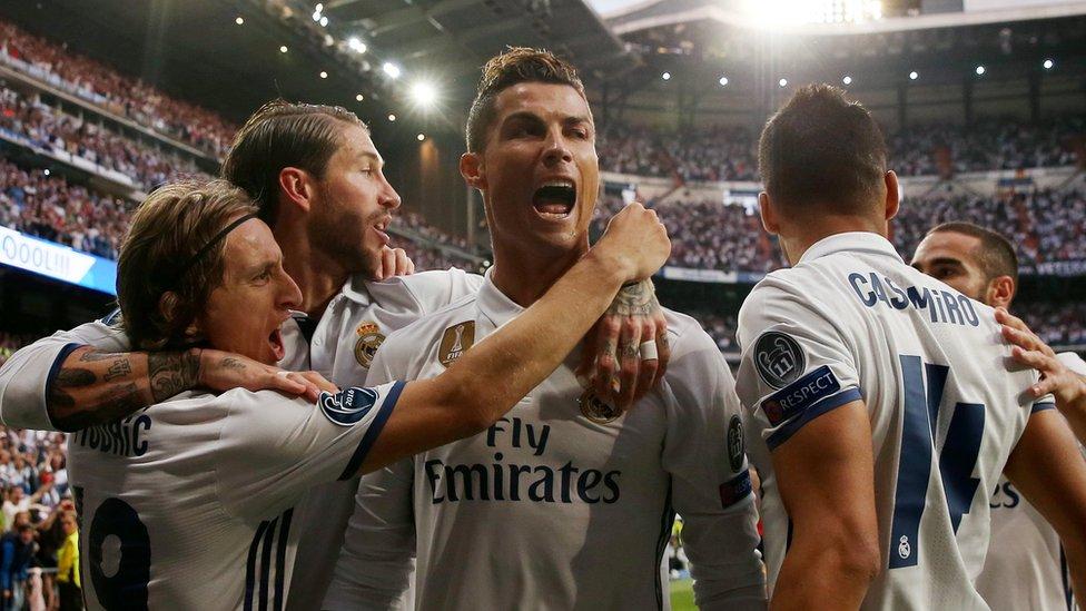 Cristiano Ronaldo celebra su tercer gol