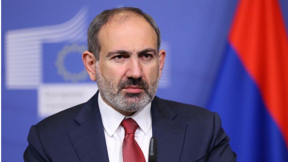 """Пашинян объявил """"второй этап революции"""" в Армении. Что происходит?"""