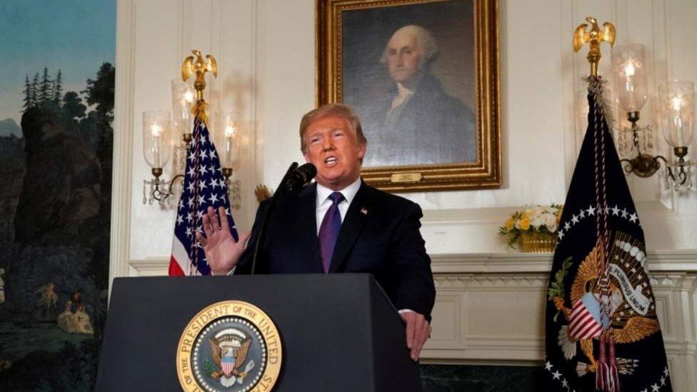 امریکا له برتانیا او فرانسې سره په ګډه پر سوریه برید وکړ