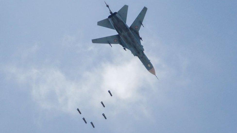 ادى القصف الجوي والمدفي على حي جوبر إلى قبول المقاتلين إجلاءهم إلى إدلب