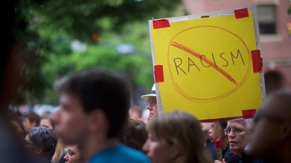 Marcha contra el racismo y contra una manifestación del Ku Klux Klan en Lancaster, Pensilvania.