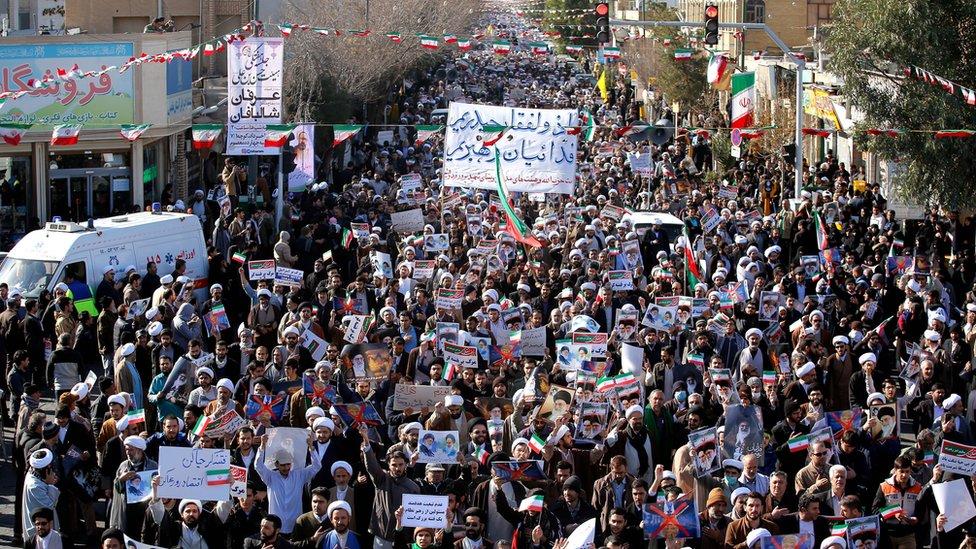 بط وزير الخزانة ستيفن منوشن الأمر مع الاحتجاجات الأخيرة التي اشعلتها الظروف الاقتصادية في إيران