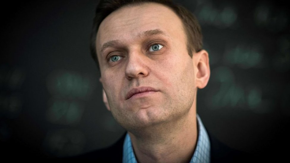 El opositor político Alexei Navalny dice que no quiere eliminar el material que publicó.