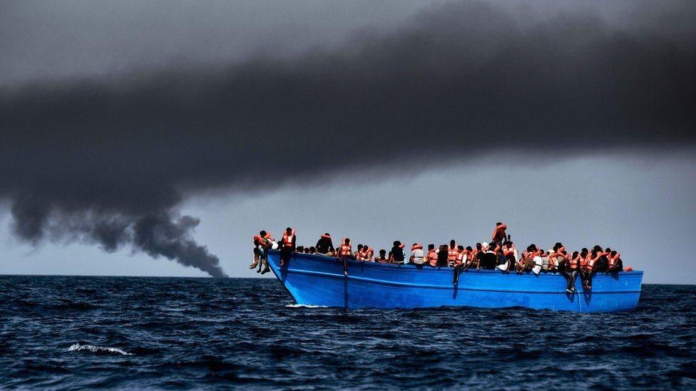 Біля Лівії потонули 90 мігрантів