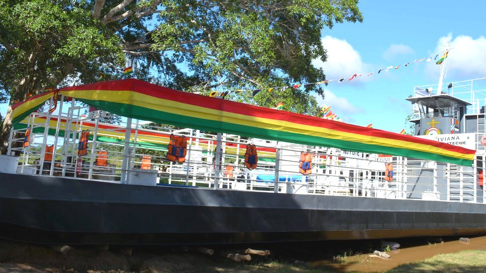 Barco boliviano
