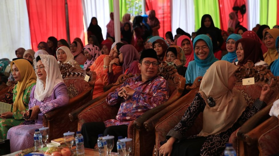 Female Islamic clerics in Indonesia issue rare child marriage fatwa